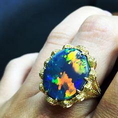 KAT FLORENCE Lightening Ridge Black Opal Ring surrounded by natural yellow diamonds  #opalsaustralia