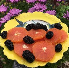 Bonjour - Good Morning  Delicious breakfast with Sweet Berries and Cara Cara Oranges  #luchiacookbook is available on Amazon.com  in English and Spanish #luchiachia #cookbook #culinaryschool #culinary #chef #cheflife #chefconsultant #chefsofinstagram #truecooks #breakfast #healtylife #amazing #healthy #healthyfood #healthyliving #foodblogger #foodmagazine #delicious Fruits #amazing #beautiful #siliconvalley #stanford #sanfrancisco #california #foodie #foodiegram