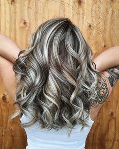 Hair Highlights And Lowlights, Blonde Highlights On Dark Hair, Brown Blonde Hair, Platinum Blonde Hair, White Highlights, Caramel Highlights, Dark Blonde, Grey Brown Hair, Blonde Balayage