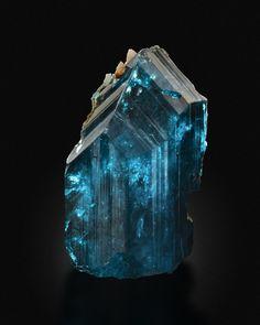 Caledonite, Pb5Cu2(CO3)(SO4)3(OH)6, Reward Mine, California, USA