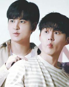 Chan woo & B.I (Chan & Han bin) ♡ iKON ♡ #iKON #Chanwoo #Bi Winner Ikon, Ikon Kpop, Boy Idols, Kim Hanbin, Beautiful One, Yg Entertainment, Anime Cosplay, Korean Boy Bands, Bobby