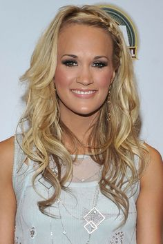 carrie underwood- curly hair with side braid