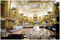 a website with 139 chicago wedding venues!