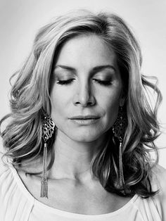 Lost, Elizabeth Mitchell | ELIZABETH MITCHELL (Dr. Juliet Burke) WHEN SHE DIED Season 6, episode 1 HOW SHE DIED From injuries after falling into the Swan station's pit...DON'T EVEN