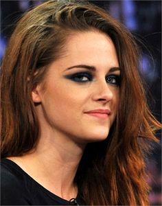 Kristen Stewart makeup dramatic eye makeup