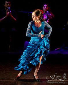 Gina Giammanco. Spanish Dancer, Spanish Woman, Flamenco Dancers, Hacienda Style, Move Your Body, Lets Dance, Strong Women, Tie Dye Skirt, Cool Pictures