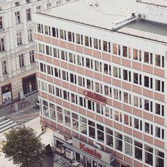 office building in Poznan #podrys #instaphoto #inspiration  #city #life #street #love #społem #beautiful #travel #happy #day #landscape #light #wall #building #urban #art #architecture #archilovers #details #design #pattern #geometry #modernism #modernizm #minimal #sun #poland #poznan