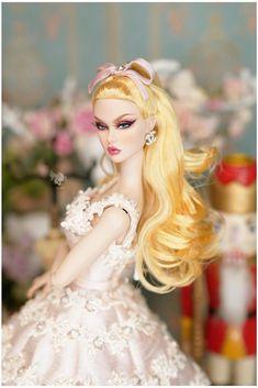 Fashion Royalty Dolls, Fashion Dolls, Barbie Top, That Poppy, Disney Princess Drawings, Beautiful Barbie Dolls, Dress Up Dolls, Barbie Friends, Barbie World