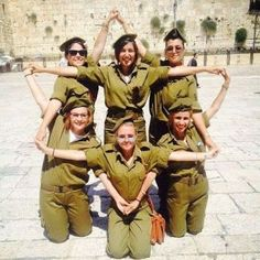 Fearless girls of the Israeli army making a Star of David! #israel #idf