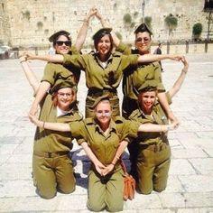 Fearless girls of the Israeli army making a Star of David! #israel #idf