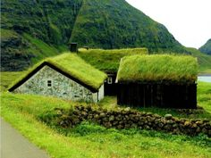 From Viking age turf houses to colourful timber houses Viking House, Viking Age, Timber Walls, Timber House, Bamboo Architecture, Architecture Design, Roofing Options, Timber Buildings, Residential Roofing