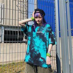 Urban Outfits, Cool Outfits, Moda Tie Dye, Diy Tie Dye Shirts, Diy Shirt, Looks Hip Hop, Moda Streetwear, Girl Fashion, Fashion Outfits