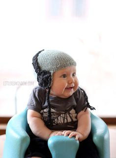 Baby Headphone Hat | Rock out with this crazy adorable free knit baby hat pattern!