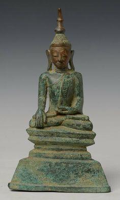 Shan Buddha, bronze, 18th Century, hight 27 cm.