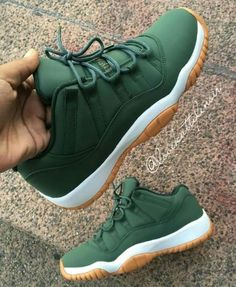 Must Know Shoe Tips For The Comfiest Fits   You can find out more details  at. Jordans Sneakers · Nike Air Jordans · Green Jordans ... 1a38723a2