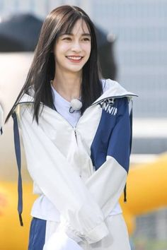 Female Character Inspiration, Korean Girl Fashion, Angelababy, Cute Japanese Girl, Girls Characters, Clothing Hacks, Chinese Actress, Athletic Women, Beautiful Asian Girls