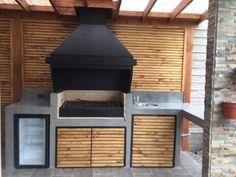 Santiago-quinchos-3 Pergola, Bbq, Garage Doors, Patio, Outdoor Decor, Home Decor, Pools, Barbecue Grill, Outdoor Kitchen Design