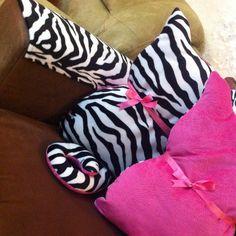 Cat pillow Cat Pillow, Home Goods, Room Decor, Pillows, Fashion, Bed Pillows, Moda, Home Decor, Cushion