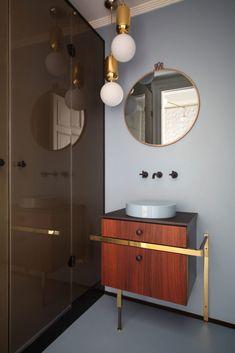 Um colorido aqui, um revestimento diferente ali, uma bancada que foge do tradicional. Confira ideias para reforma e decoração de banheiros.