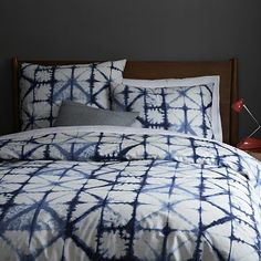 I was just reading in my new book on fabric printing about shibori. Shibori Duvet Cover + Shams from west elm Bed Sets, Cama Tie Dye, Home Bedroom, Bedroom Decor, Bedrooms, Master Bedroom, Tie Dye Bedding, How To Dye Fabric, Home Decor Trends