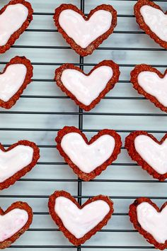 Heart-shaped beet cookies for dogs on baking rack topped with pink sour cream icing Love Beets, Fresh Beets, Natural Food Coloring, Pink Food Coloring, Dog Cookies, No Bake Cookies, Sour Cream Icing, Vegetable Prints, Types Of Flour