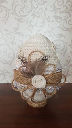 Rope Crafts, Diy Crafts, Easter Bunny, Easter Eggs, Easter Crafts, Christmas Crafts, Rope Decor, Glass Bottle Crafts, Egg Decorating