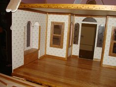 buttercup interior trim w2.JPG - Doreen's Buttercup Bakery - Gallery - The Greenleaf Miniature Community