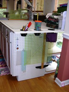 Craft Room Organization: New Cutting Table - 5