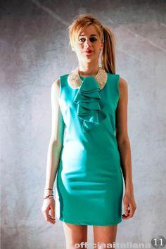 #Abito con collette di perle verde acqua
