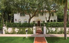 A grande dame restored. In the tiny enclave of El Cid, interior designer William R. Eubanks' 1923 residence recalls the continental Italianate and Mediterranean architecture of the period.