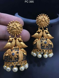 How To Clean Gold Jewelry With Baking Soda Gold Diamond Earrings, Gold Earrings Designs, Gold Bangles, Jade Earrings, Tribal Earrings, Gold Jewelry For Sale, Clean Gold Jewelry, India Jewelry, Temple Jewellery