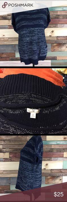 "Gap Navy Short Sleeve Sweater Tunic - M Gap Navy Short Sleeve Sweater Tunic - M // Bust:  20"" laying flat  / Length: 26"" / Silver Metallic detailing. GAP Sweaters Crew & Scoop Necks"