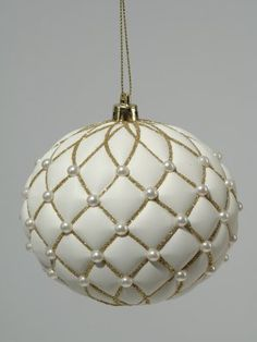 White Bauble with Pearls - Tufted