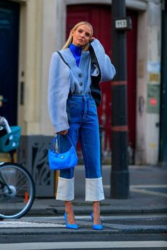 High Fashion Outfits, Mode Outfits, Classy Outfits, Look Fashion, Blue Fashion, Haute Couture Paris, Style Haute Couture, Mode Monochrome, Monochrome Outfit