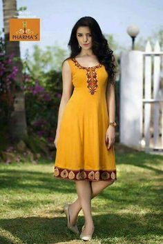 African Dresses For Women, African Attire, Traditional Fashion, Traditional Dresses, Abaya Fashion, Fashion Dresses, Women's Fashion, Flowery Dresses, Dress Neck Designs