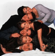 Friends promo shot of Jennifer Aniston, Courteney Cox and others