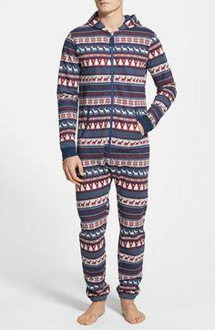 Christmas Pattern Pajamas http://rstyle.me/n/dtvxjnyg6