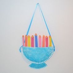 20 Creative Ways to Celebrate Hanukkah for Kids menorah paper plate craft Hanukkah For Kids, Hanukkah Crafts, Feliz Hanukkah, Holiday Crafts For Kids, Christmas Hanukkah, Preschool Christmas, Hannukah, Hanukkah Candles, Holiday Themes