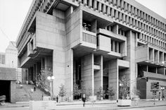 Design of the Day: Boston City Hall's Brutalist Architecture German Architecture, Concrete Architecture, Architecture Images, Concrete Building, Building Stone, Minecraft Architecture, Precast Concrete, Concrete Houses, Amazing Architecture
