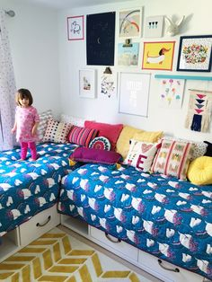 Awesome way to do a kids' shared bedroom! Need for my boys... Love this Modern BOHO shared bedroom for two girls!