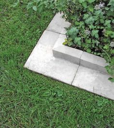 Use a unique lawn edging system as a mowing edge alongside flower borders, around a tree or as a kerb. Paving Edging, Landscape Edging Stone, Path Edging, Stone Edging, Edging Ideas, Paving Stones, Garden Edging, Garden Paths, Landscape Design