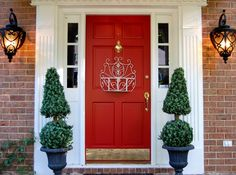 From materials to cost, here's everything you need to know to choose the front door that's right for you.