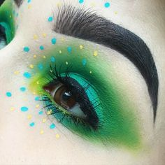 WEBSTA @ familyg0retrait - IDK I need to deal with these under eye wrinkles  send help @viseart editorial brights palette, using both greens @Sugarpill Kim Chi