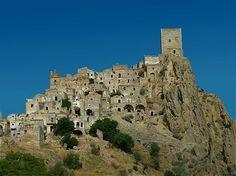 Het spookstadje Craco in de Zuid-Italiaanse regio Basilicat