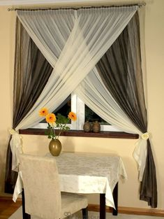 Interior decor How to Choose Curtains For the Living Room - Life ideas Home Curtains, Curtains Living, Modern Curtains, Window Curtains, Hanging Curtains, Curtain For Small Window, Curtain Styles, Curtain Designs, Curtain Ideas