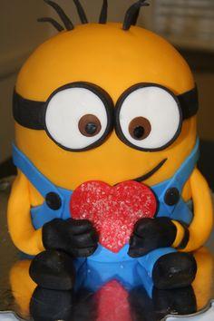 i wannnaaa minion cake :(.....