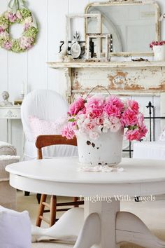 I love the idea of using a shabby chic mantle in a dinning room. And the bucket full of flowers is beautiful Casas Shabby Chic, Style Shabby Chic, Vintage Shabby Chic, Shabby Chic Homes, Shabby Chic Decor, Vintage Pink, Cottage Chic, Shabby Cottage, Cottage Style