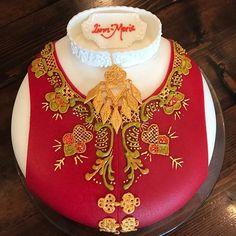 Bilderesultat for nordlandsbunad kake Cakes, Jewelry, Pastry Chef, Jewlery, Cake Makers, Jewerly, Kuchen, Schmuck, Cake