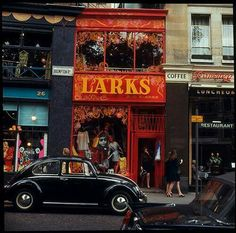 Boutiques on Brompton Rd. London 1967
