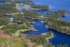 A gem in the worlds treasury chest: Kvarken Archipelago, one of the 7 Finnish Unesco World Heritage Sites. Vacation Trips, Dream Vacations, Northern Lights Finland, Land Of Midnight Sun, Central And Eastern Europe, Europe Travel Guide, Archipelago, World Heritage Sites, Art World